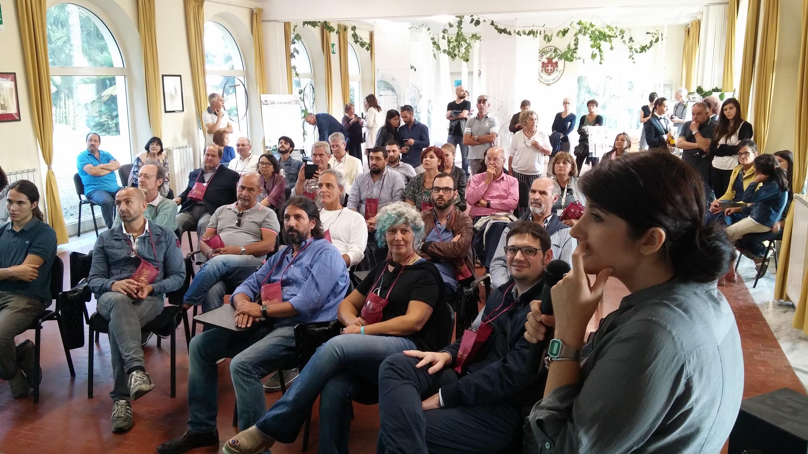 http://ideeinfermento.it/wp/wp-content/uploads/2017/05/Tutti-giù-in-cantina-9-Enoconferenza-di-Claudia-Giuliani.jpg