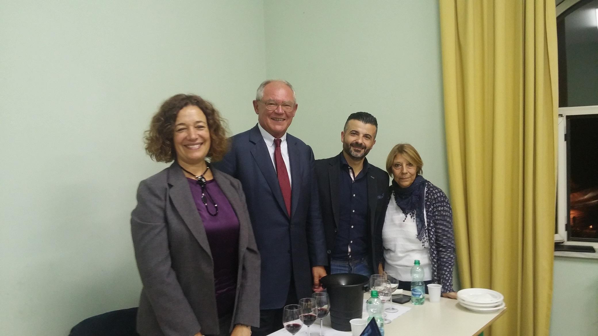 http://ideeinfermento.it/wp/wp-content/uploads/2017/05/Tutti-giù-in-cantina-Paula-Pacheco-Anton-Borner-Giovanni-Lai-e-Francesca-Cecchini-direttrice-del-CREA-di-Velletri.jpg