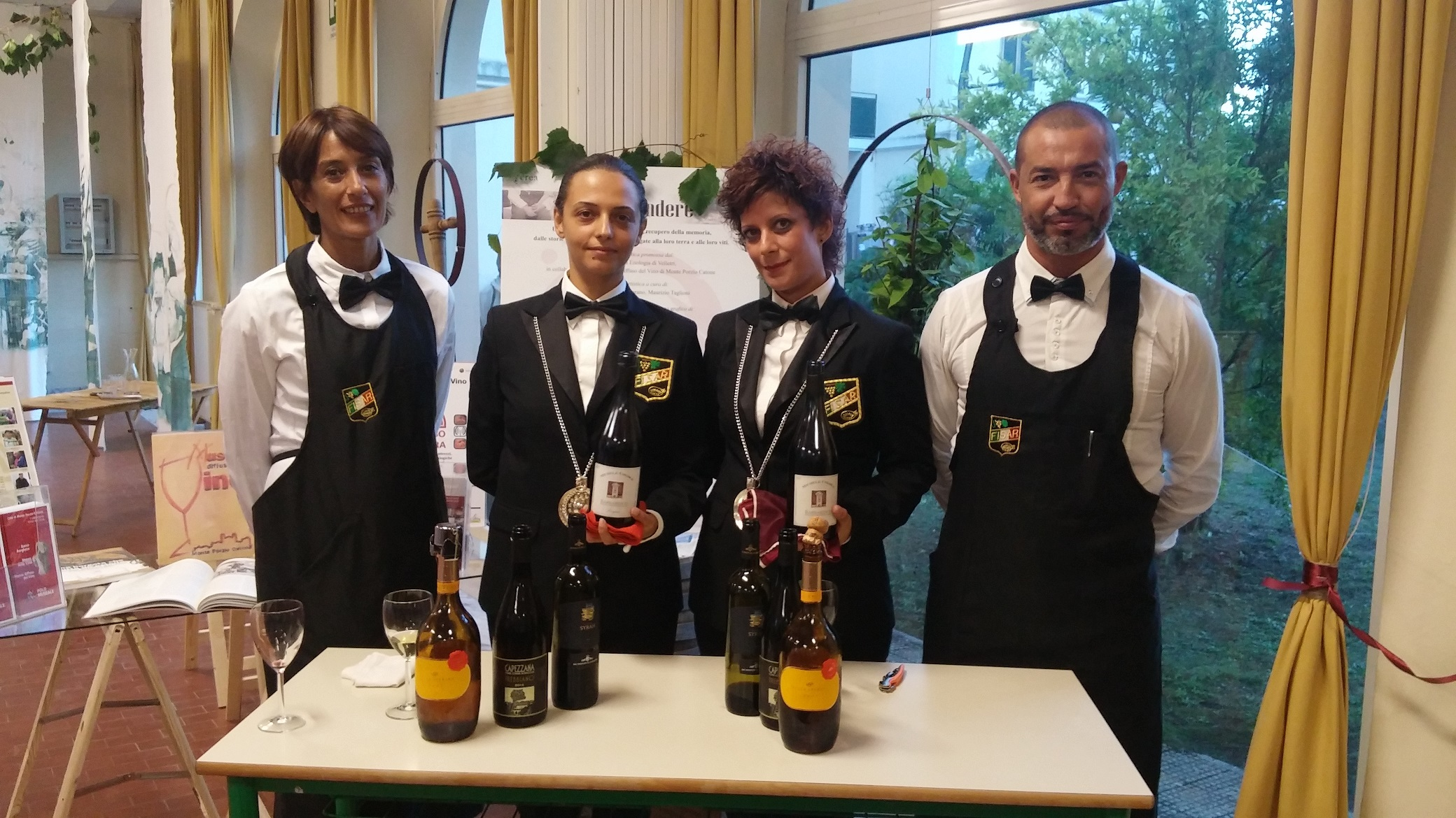 http://ideeinfermento.it/wp/wp-content/uploads/2017/05/Tutti-giù-in-cantina-sommelier-FISAR.jpg